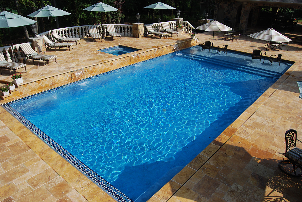 Automatic Pool Covers Swim Mor Pools And Spas