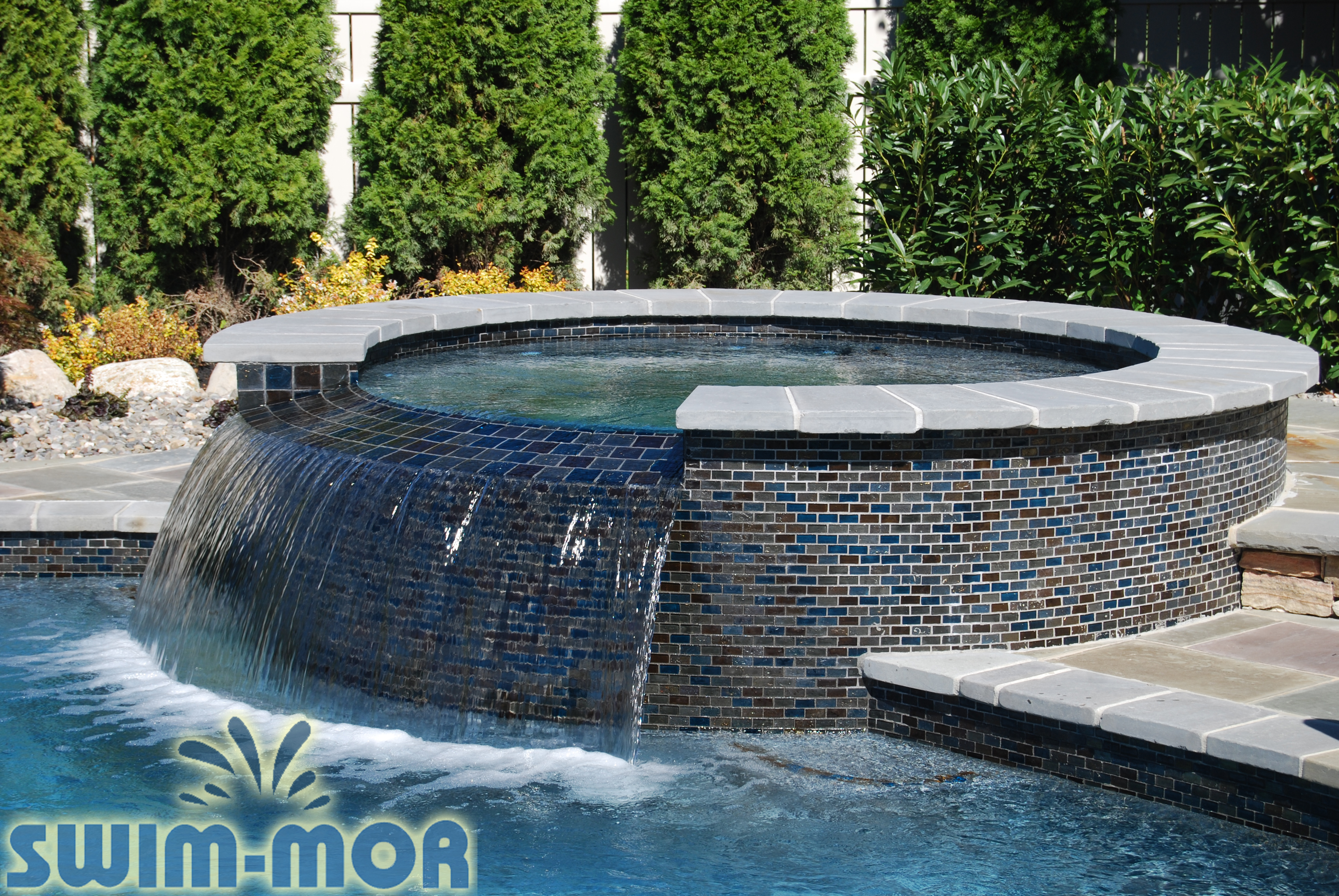 Spas swim mor pools and spas for Spa swimming pool